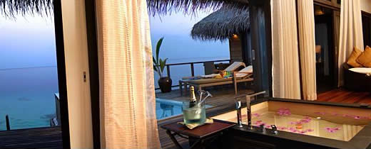 Coco Palm Bodu Hithi - Escape Water Villa