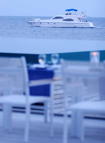 Huvafenfushi Maldives - Luxury Yacht